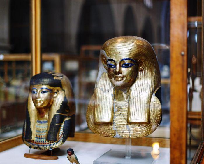 Glass Historic Pharaoh Mask Queen King Pharaohs Egyptian Museum Pharahos Statue Human Representation HEAD Golden Face History Egypt Egyptian Historical Golden Mask Statue Eyeem Market