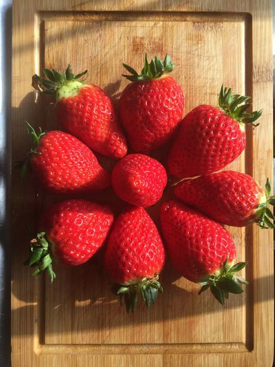 Fragola🍓🍓🍓🍓 Fragole,strawberries Morangos Berry Fruit Box - Container Close-up Food Food And Drink Freshness Fruit Healthy Eating Indoors  Juicy Leaf No People Red Strawberry Table Wood - Material Day Indoors
