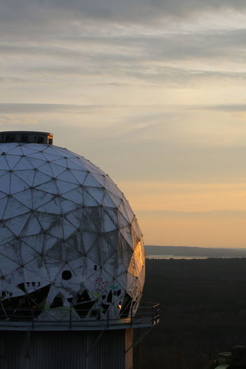 NSA-Listeningstation at the Teufelsberg in Berlin in the evening 😎✌🏼 Abhörstation Teufelsberg EyeEm Selects Radar Sea City Dome Sunset Cityscape Business Finance And Industry Astronomy Architecture Sky