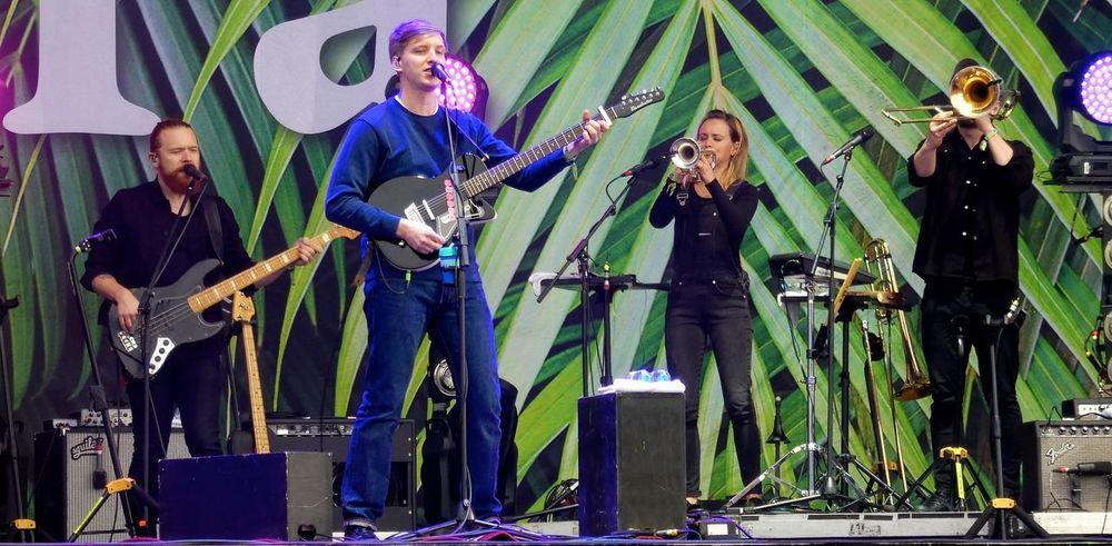 Sanger Singer  Singer/Song Writer Georg Ezra Georgeezra Lollaberlin Lollapalooza Lollapalooza1017 Popstar Singer And Artist Singer Guitar Player Singersongwriter
