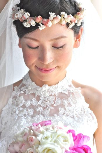 Beautiful Woman Bouquet Bride Celebration Event Flower Flower Arrangement Flower Head Flowering Plant Front View Life Events Lifestyles Newlywed One Person Plant Portrait Real People Smiling Wearing Flowers Wedding Wedding Ceremony Wedding Dress Women Young Adult Young Women