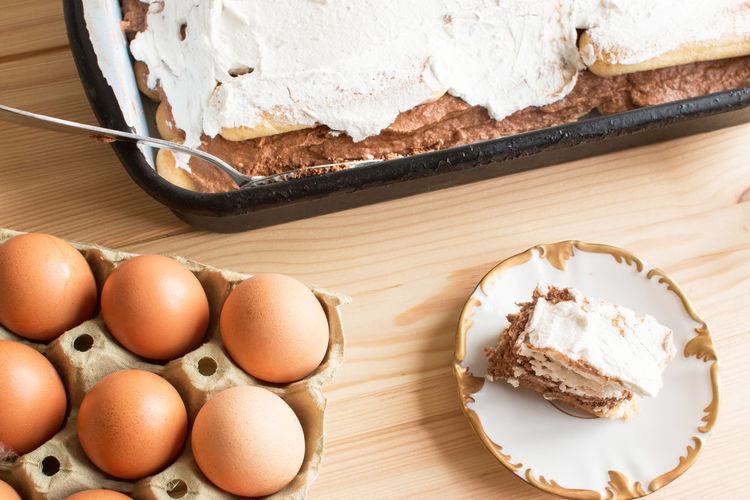 Cooking Rustic Baked Brown Cake Chokolade Chokolate Chokolate Cake Dessert Easy Recipe Egg Egg Yolk Eggs Cake House  Food And Drink Plate Ready-to-eat Recipe Recipes Rustic Style SLICE Sweet Sweet Food Table Temptation Whip Cream
