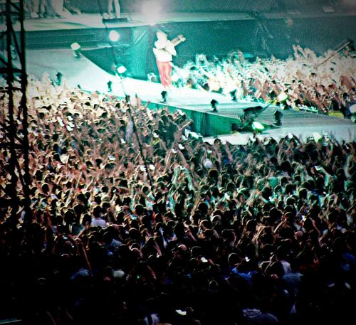 Music Brings Us Together Muse The2ndlawtour Crowd Lifeisaconcert Pic Photo TBT  2013 Mattbellamy Music Love Passion Concert Gig Concertphotography