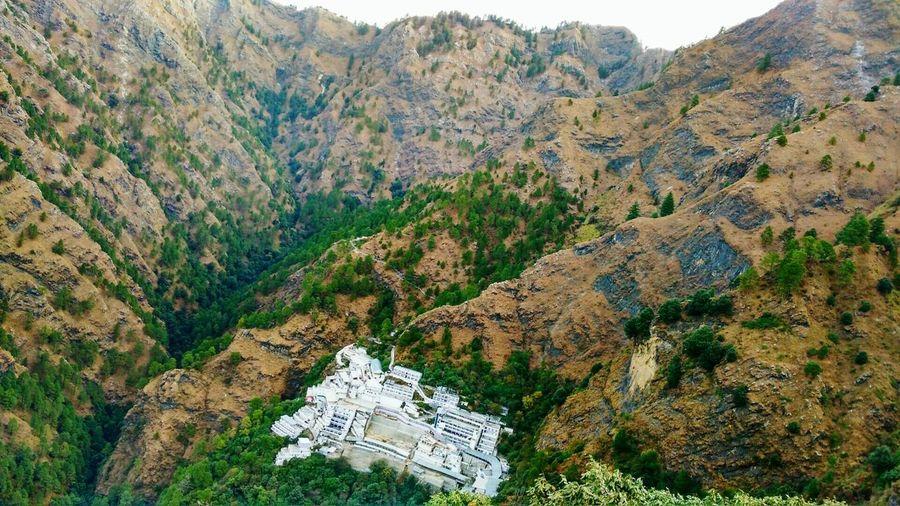 Mountain Beauty In Nature Scenics Vaishno Devi- The Legend Of The PowerfulMother Goddess Jammu Katara Trikut_parbat