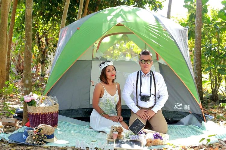Pre wedding shoot Casual Clothing Looking At Camera Person Outdoors Preweddingshoot Tree And Sky Tree Photography Makeupartist Trat,Thailand Nature Tent Sunrise