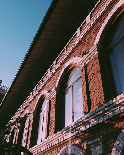 VSCO EyeEm Selects EyeEmNewHere Detail Details Warm Vscox Building Architecture Brick Wall Brick Brick Building Sunny Kuji Kujicam City Bridge - Man Made Structure Business Finance And Industry Golf Club Architecture Sky Built Structure Engineering