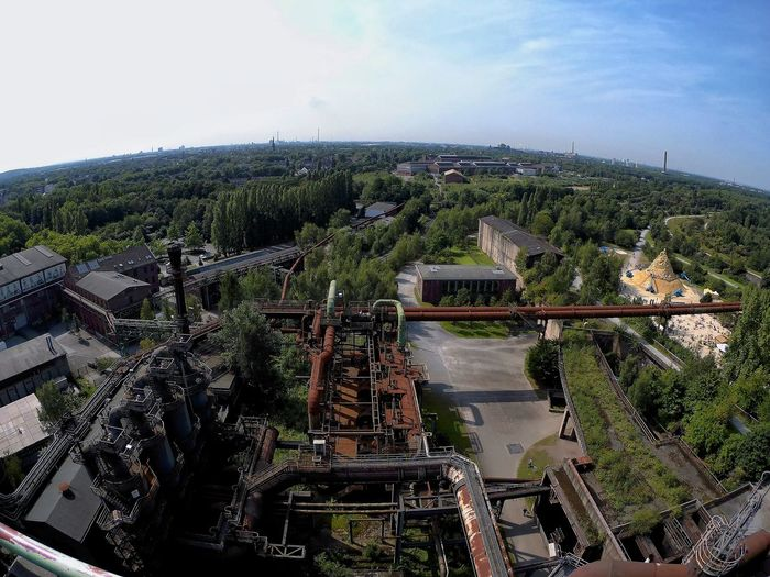 A bird's eye view of industrial culture... Birdseyeview Eyeemphotography Industriekultur Fotografia Fotografie Nopeople EyeNatureLover EyeEmNewHere 180degrees Flora Nature Globus Weltblick Nature Photography Tree Sky