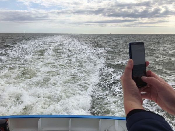 • Smart photography • North Sea Vessel Takingphotosofpeopletakingphotos Mobilephotography Photography Wireless Technology Sea Water Sky Technology One Person Hand Smart Phone Photography Themes Cloud - Sky Real People Horizon Over Water Activity