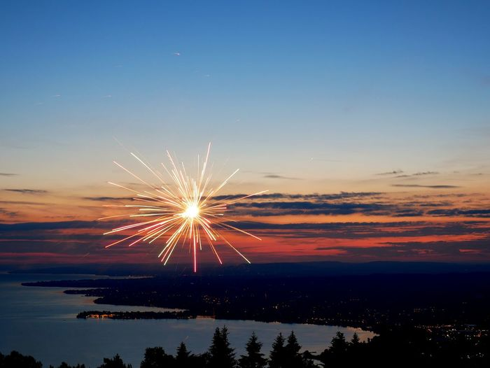 Gx80 Lumix Bodensee Bregenz Lindau Vorarlberg  Sonnwendfeier Water Illuminated Multi Colored Sunset Sea Clear Sky Beach Blue Horizon Long Exposure Firework - Man Made Object Firework Exploding Event Sparkler Sparks