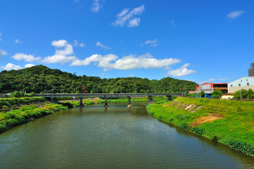 River beautiful landscape, fresh natural environment, the city leisure place Keelung River Taiwan Architecture Beauty In Nature Bridge Bridge - Man Made Structure Building Exterior Built Structure Cloud - Sky Connection Day Grass Landscape Mountain Nature New Taipei City No People Outdoors River Scenics Sky Travel Destinations Tree Water Xizhi
