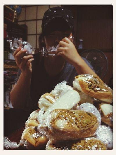 焼きそばパンうんま♡
