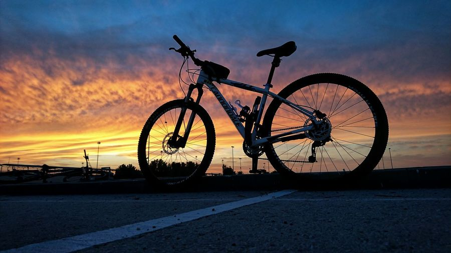 Cannondalebikes Cannondale Sunrise Sunrise_Collection Sunrise_sunsets_aroundworld Sunset Bicycle Silhouette Sky Dramatic Sky Romantic Sky Spoke Mountain Bike Calm Cycling Pedal Wheel Moody Sky