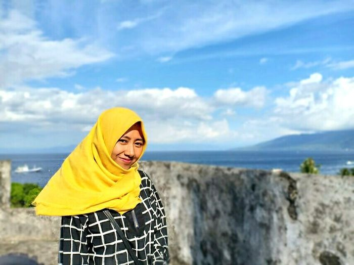 beauty in yellow... Beauty #hijab #girl #latina #like #dailypictures #cool #nice #follow #girl #Nature  #holiday #Indonesia #Cool #Amazing #awesome Portrait Cheerful Women Sea Standing Yellow Enjoyment Looking At Camera Beautiful Woman Natural Beauty Beach Sandy Beach