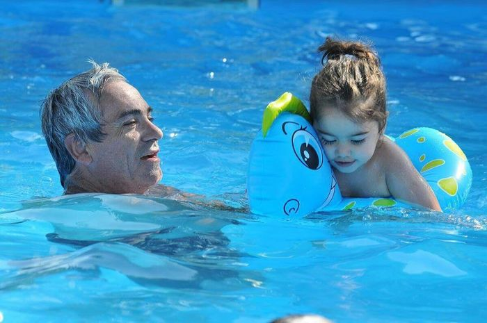 En la pileta Swimming Pool Pool Child Water Swimming Women Two People