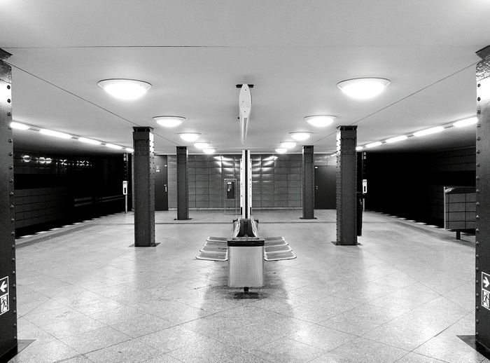 Frankfurter Allee Berlin Blackandwhite Ubahn Frankfurtertor Geometry Public Transportation