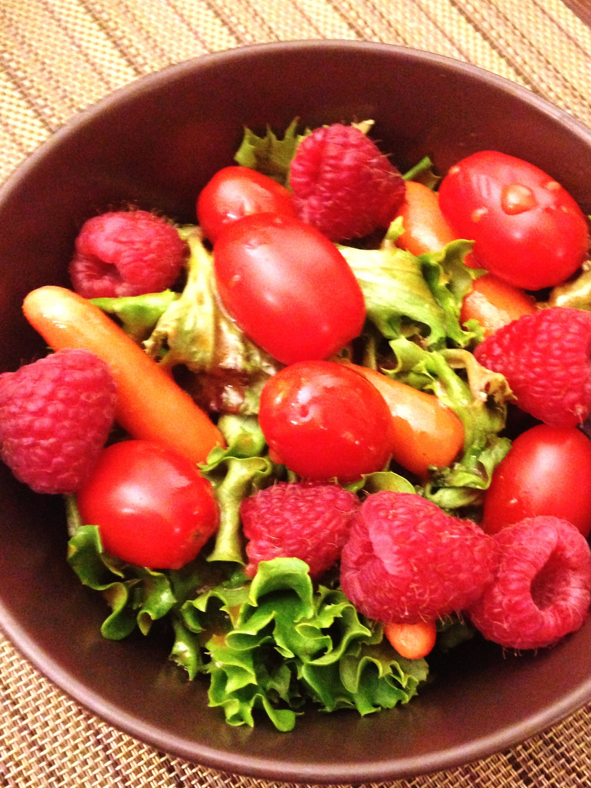 food and drink, food, freshness, healthy eating, indoors, red, still life, plate, tomato, table, vegetable, bowl, ready-to-eat, high angle view, salad, fruit, directly above, close-up, strawberry, serving size