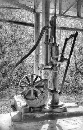 Farm Pump Antique Light And Shadow Black And White Machinery Farm Life Rural Scenes Country Living Simplertimes Rustic Water_collection