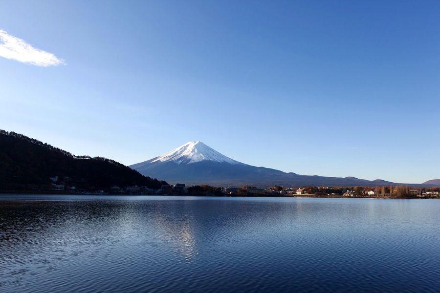 Fuji Mountain Fuji Mountain Area Nature Fuji Lake Blue Sky Water Reflections Traveling Photography Traveling Landscape_photography Landscape Nature_ Collection