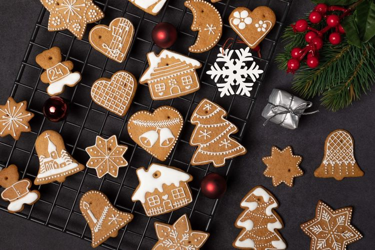 EyeEm Selects Holiday Christmas Celebration Decoration christmas tree Indoors  Cookie Sweet Food Shape Christmas Decoration Baked Variation Star Shape Tree No People Design Food Food And Drink Christmas Ornament