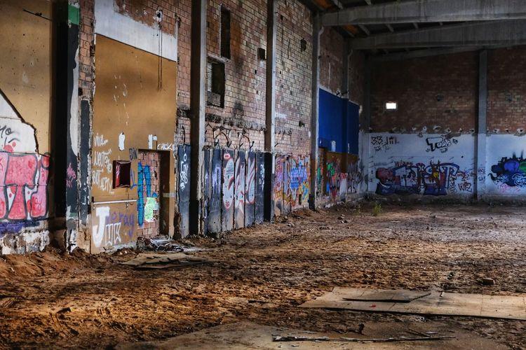Graffiti on abandoned building