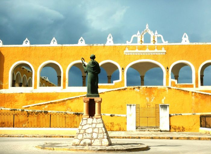 Paint The Town Yellow EyeEm Selects Architecture History Building Exterior Ancient Travel Destinations No People Statue Izamal Yucatan Convento The Week On EyeEm