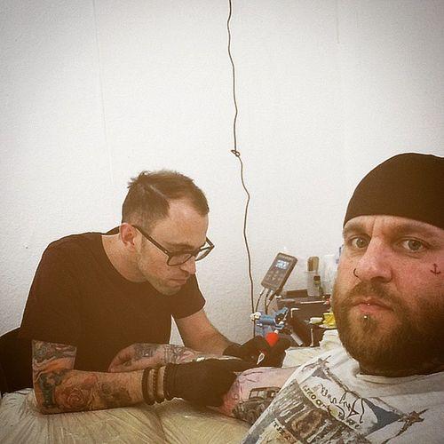 Nur bin ich mal wieder drann etwas Farbe .... Danke Bruno Sublimevillaberlin Tattooartist  Tattoo Tattooman tatts inkmodel ink inkman fit fitness life lifestyle leben lieben lachen glaube liebe hoffnung berlin goodday artpirat murmelmo piercing rocknroll rockabilly rum sublimevilla