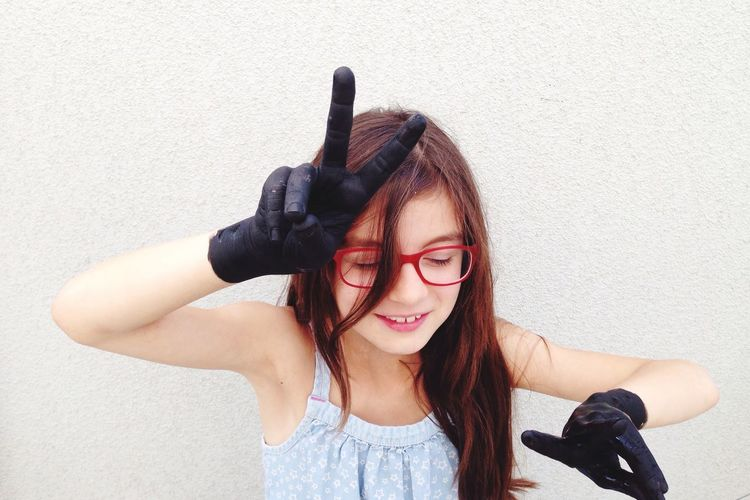 EyeEm Selects One Person Leisure Activity Childhood Eyeglasses  Girls Human Hand Black hands Close-up beeing cool
