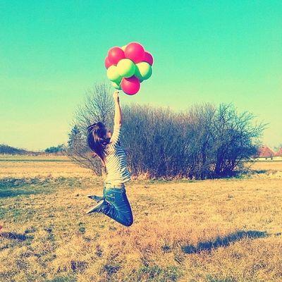 Zitate sind über flüssig, werden eh korrigiert :D Frei Sein Ballon Grün rot heisser tag hollister freiheit fliegen sls sfs followforfollowback likeforlikeback tagsforliks photooftheday followteam instashit instagood instasummer sonne sommer sonnenschein
