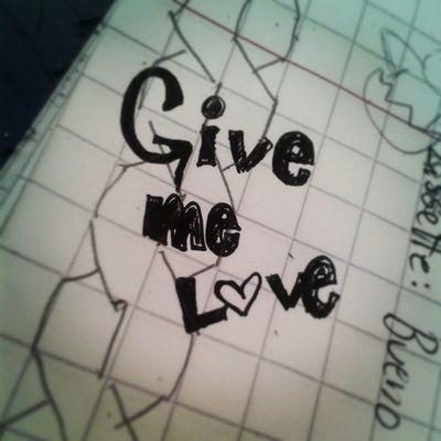 Cuando estoy escuchando música con un cuaderno cerca, siempre escribo parte de la letra de la canción): Edstagram