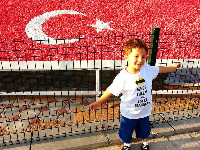 Hello World Hi! First Eyeem Photo Ahmetokumuşphotography Hayatagulumse Turkishflag şanlıtürkbayrağı şehitler ölmez Vatan Bölünmez Myson Goodnight
