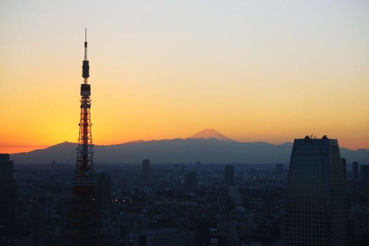 富士山と東京タワーがマジックアワーに染まる First Eyeem Photo Tokyo Japan