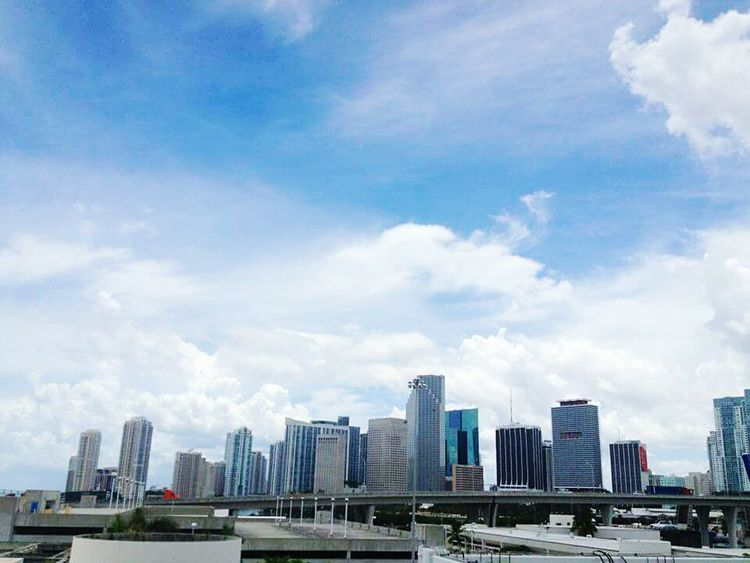 City Skyscraper Cloud - Sky Architecture City Life Downtown District No People Sky Outdoors Downtown Miami Miami FL Usa 🇺🇸☀️ Adapted To The City