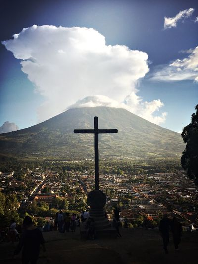Antigua Guatemala Volcano Agua Antigua Guatemala Guatemalaimpresionante Guatemala View Volcán Volcanic Landscape Volcano Roofs Of Antigua Croix Crucifix Cross Crucifijo Been There.