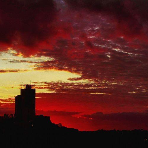 Sunset Sunsets Puestadesol Ciudaddeleste Great_captures_paraguay Great_captures_nature Naturelovers Naturesphotojournal Nature Nature_perfection Clouds Cloud Fozeassim FozDoIguaçu Coisasdafronteira Color Sky Skyline Contrast