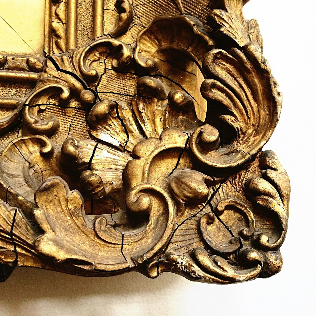art and craft, close-up, bas relief, sculpture, no people, architecture, indoors, day