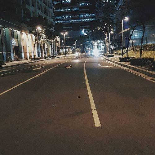 Street! 🚘 Streetphotography Streetphoto Street BGC THARAWSHOT