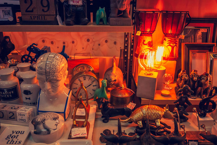Small store which have small various thing at Market, 29 April 2017 South Melbourne Market Melbourne South Melbourne Australia Weekend Afternoon Clock Headshot Dinosour Lamp Odd And Ends Oddments