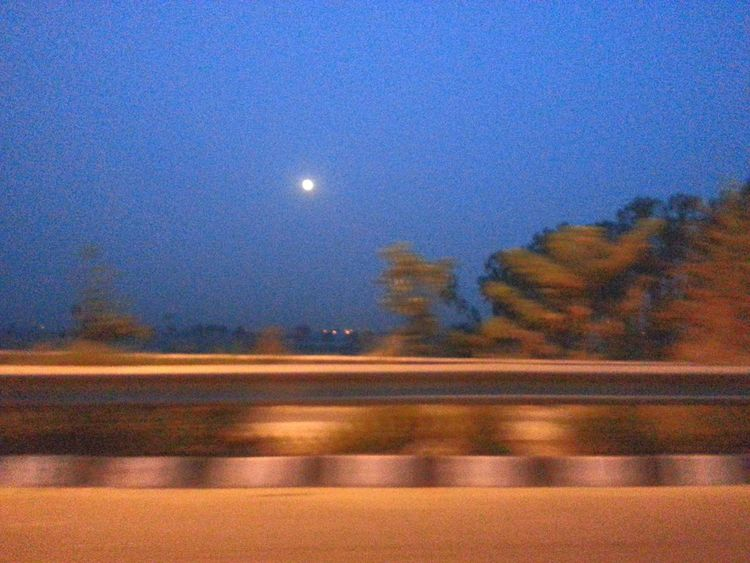 A Running Shot Breaking Dawn Quality Time In Serch Of U Alone In The Dark Moon Shots Beautiful Moon  Moonlight Happiness