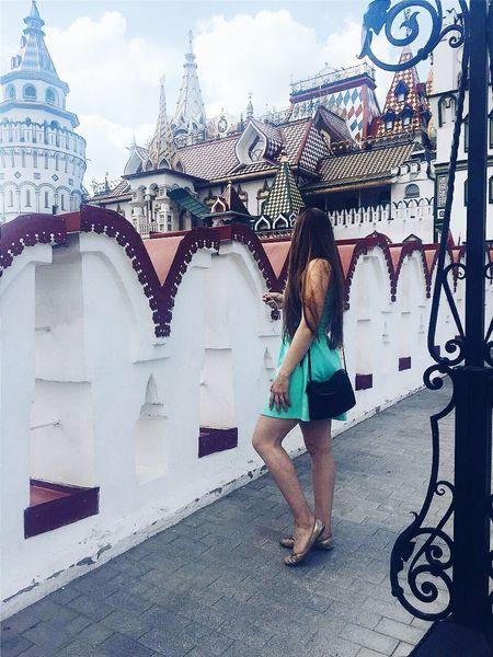 """Как говорится: """"Мечты сбываются,вместе с желаниями""""😊так же в эти выходные я посетила измайловский кремль,на самом деле нет ничего особенного,все в деревенском стиле,но сдела очень красиво😊посидели там,пофоткались и поехали в измайловский парк😊 девочкитакиедевочки Anastasia❤️ Популярное измайловскийкремль Измайловскийпарк вдушеявотпуске явсесмогу сессиястрессия OpenEdit First Eyeem Photo Relaxing"""
