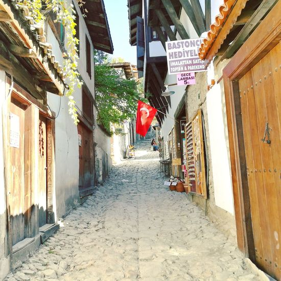 A street in Safranbolu, Karabük, Turkey Street Alley Path Pathway Safranbolu Karabuk Turkey From My Perspective From My Objective From My Point Of Veiw HuaweiP9 Huawei P9 Leica Huawei Leica Landscape Scene View