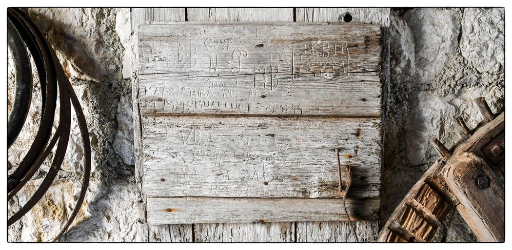 EyeEm Selects Wood - Material Weathered No People Built Structure Textured  Day Outdoors Close-up Architecture