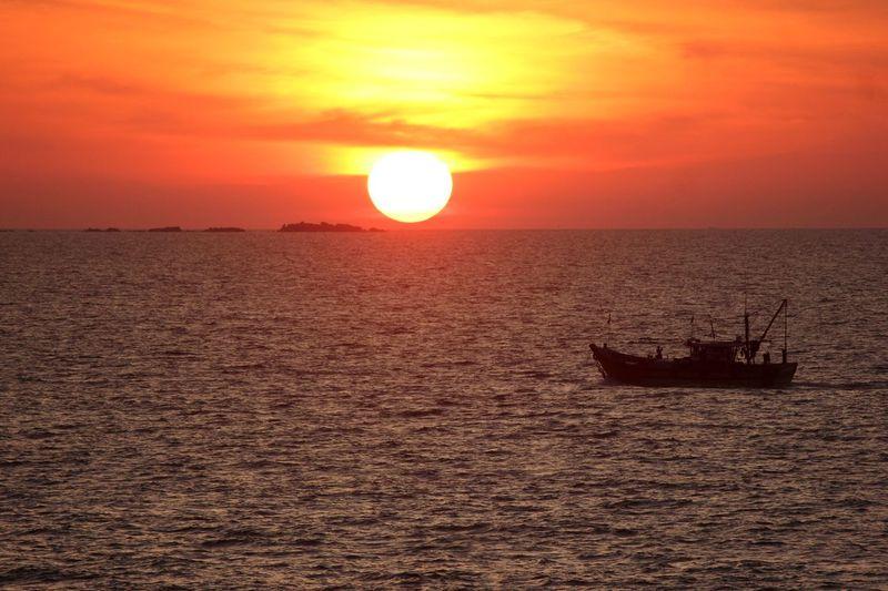 #beach #evening #India #IndianTourism #Karnataka #landscape #Nature  #photography #sun #sunset