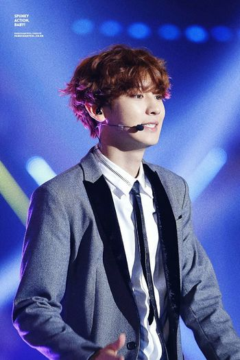 Park Chanyeol I want everyboby know he is real Good boy many peole love ChanYeol ?