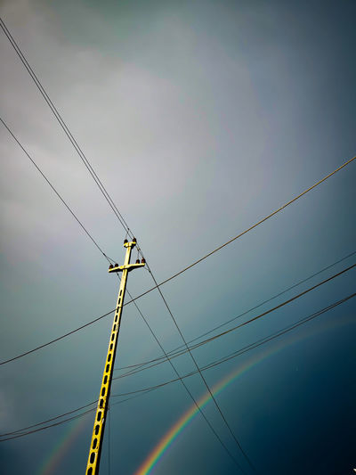 Bird Telephone Line Technology Electricity  Cable Electricity Pylon Computer Network Fuel And Power Generation Power Line  Power Supply The Mobile Photographer - 2019 EyeEm Awards