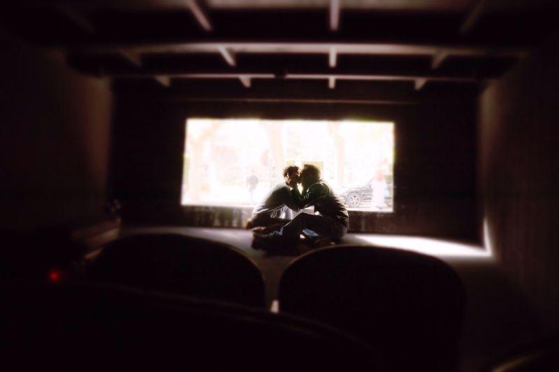 Sitting Love Kiss Sunshine Sony NEX Lifestyles ❤️