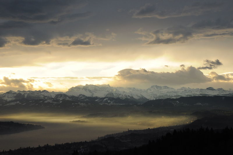 Beauty In Nature Cloud Cloudscape Dramatic Sky Idyllic Mountain Mountain Range Sun Sunbeam Sunrise üetliberg
