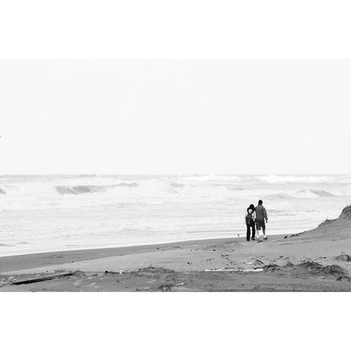 Winterbeachwalk no 7 FadeOut WalkingAway Beachwalk Photooftheday Ig_israel Blackandwhite