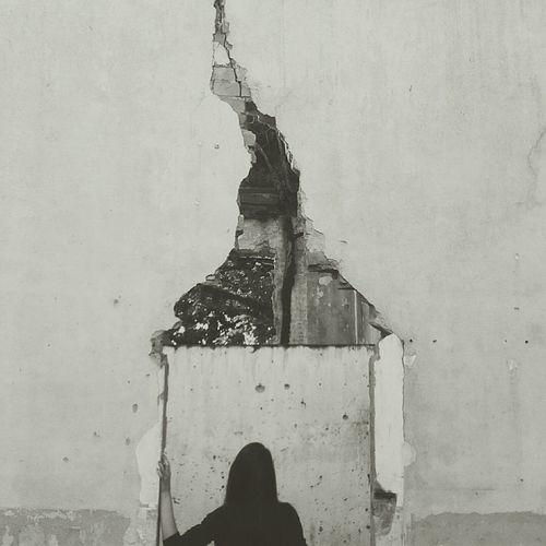Model Daydreaming Urbanphotography Vintage