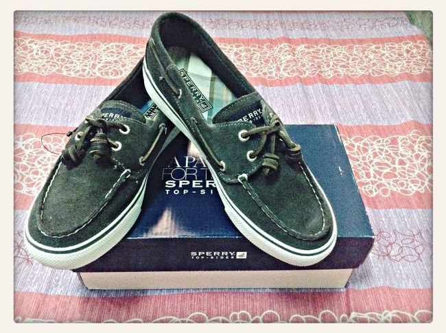 My first Sperry TopSider shoes. And yes, I'm in love with it <3 Sperry Topsiders December Shoes