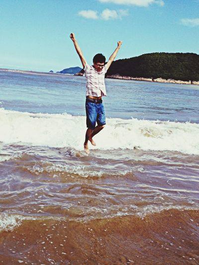 飞越海洋沙滩